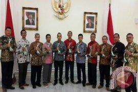 Pabrik AQUA Raih Anugerah PROPER Hijau 2016