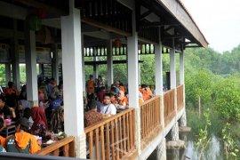 Wali Kota Surabaya Resmikan Sentra Kuliner Mangrove