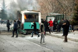 Bus berpenumpang 60 orang lindas bom rakitan, 14 orang tewas