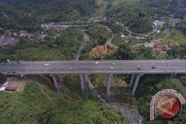 Bus bisa lewati jembatan Cisomang, Tol Purbaleunyi