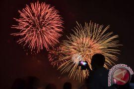 Kembang api ramaikan malam tahun baru Jayapura