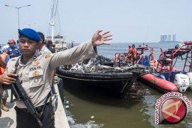 Polisi Serahkan Korban Kapal Terbakar ke Keluarga