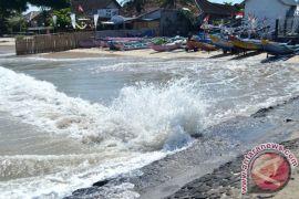 BMKG: pasang laut Mentok lebih dua meter