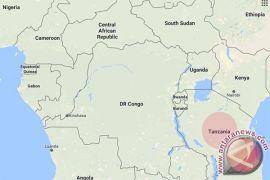 Penyintas dikeluarkan dari kapal feri terbalik di Tanzania