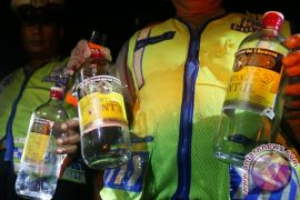 Polisi Surakarta amankan ratusan botol minuman keras