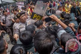 Kepolisian Indonesia copot jabatan kepala Polres Banggai