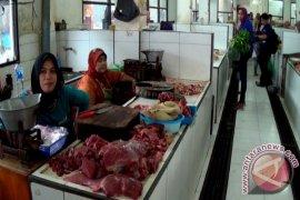 Pedagang Daging Ayam Kesulitan Pasokan