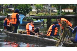 Sungai Sambas Tercemar Polutan Tinggi