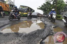 Pemkab Gunung Kidul diminta perbaiki akses jalan
