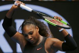 Serena Williams nyanyi tanpa busana demi kesadaran kanker payudara