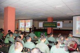 Prajurit, PNS Kodam Pattimura Terima Penyuluhan Hukum