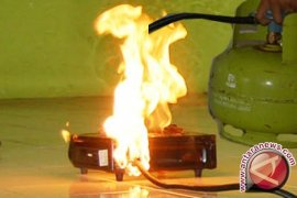 Kompor meledak tiga luka bakar