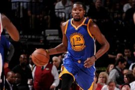 Warriors bekap Rockets 125-108