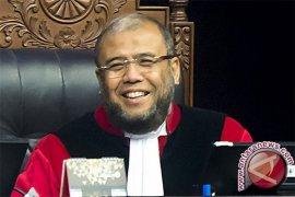 Patrialis akui langgar kode etik hakim MK