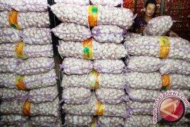 Izin Kemendag belum keluar, impor bawang putih masih tertunda