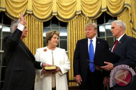 Trump pertimbangkan mengganti Tillerson dengan direktur CIA
