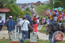 Puluhan Ribu Pengunjung Padati Pulau Mansinam