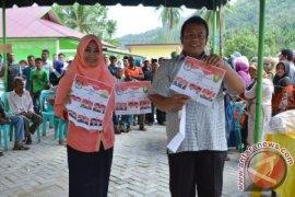 Dua calon Walikota Sabang nyoblos bareng isteri
