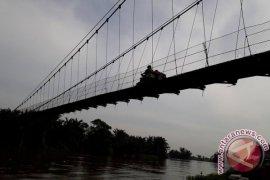 Tanah Bumbu Bangun Jembatan Gantung 85 Meter