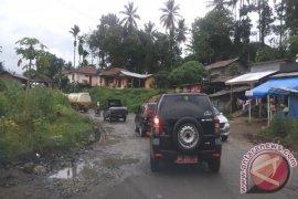 Kerusakan Jalan Nasional Lintas Tengah Sumatera Semakin Parah