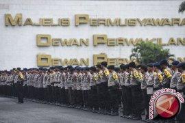 Massa Unjuk Rasa 212 Tinggalkan DPR