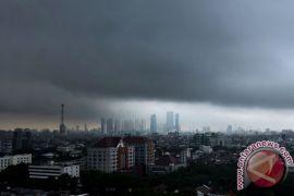 Hujan ringan diprakirakan guyur sebagian wilayah Jakarta