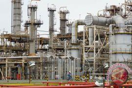 Kekhawatiran kelebihan pasokan mereda, harga minyak naik