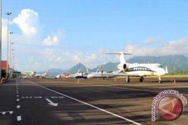 Kemenhub Larang Beroperasinya Pesawat Boeing 737-8 Max