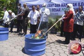 Ratusan Dus Sosis Asal Malaysia Dimusnahkan