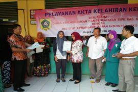 Akta lahir gratis sampai ke warga di pelosok Kabupaten Bogor
