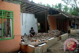 Korban bencana di Sukabumi dibuatkan hunian sementara
