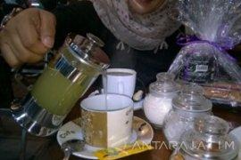 """Green Coffee"" yang Nikmat dan Konon  Dapat Melunturkan Lemak"