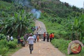 Akses Jalan Lintas Gorontalo-Buol Masih Terputus
