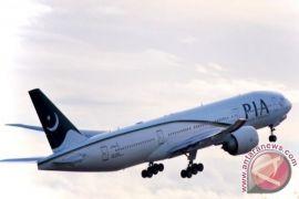 300 orang diselamatkan setelah pesawat mendarat darurat di Pakistan