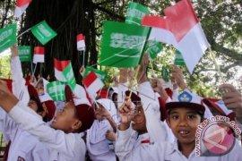 Ribuan pelajar Bogor sambut kedatangan Sultan Brunai