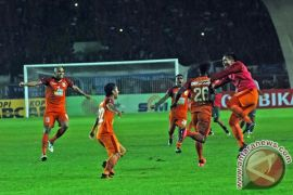 Borneo tekuk Arema 2-1