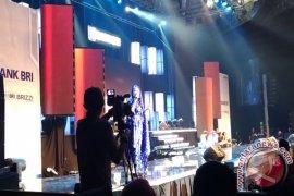 Duet Afgan-Titi DJ Pukau Warga Bandung