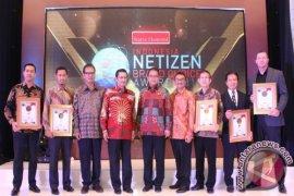 "TSI Raih Penghargaan ""Indonesia Netizen Brand Choice"""