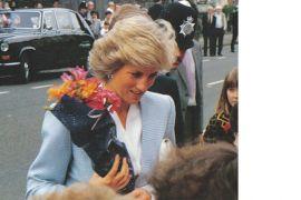 Hari ini 20 tahun kematian Putri Diana, doa dan bunga mengalir