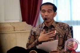 Presiden serahkan KIS kepada warga Batam