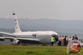 Perbaikan pesawat militer AS tunggu kiriman mesin