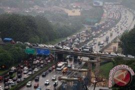 Tol Jakarta-Cikampek Makin Macet Pascalebaran 2017, Ada Apa?