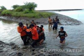 Pemancing Asal Bondowoso Tenggelam di Pantai Situbondo Ditemukan Tewas