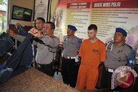 Polsek Kuta tetapkan dua penganiaya polisi