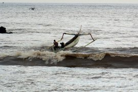 Gelombang Tinggi Masih Mengancam Perairan Indonesia