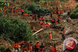 Sebanyak 27 Orang di Ponorogo Hilang Tertimbun Longsor