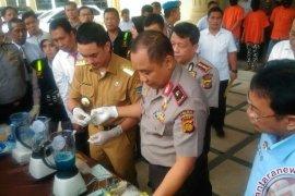 Kapolda dan Gubernur musnahkan 4,4 Kg sabu