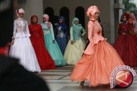 Karya Siswa SMK Pukau Pengunjung Muslim Fashion Festival