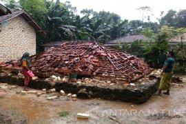 Kodim Pamekasan Terjunkan Personel ke Lokasi Bencana