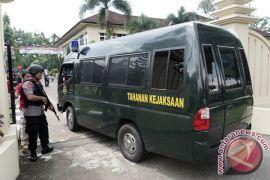 Polisi selidiki motif pria bercadar serang Polres Banyumas